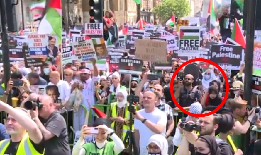 This is not Iran, this is London – the protesters are applauding Hamas for missile attacks on Israel